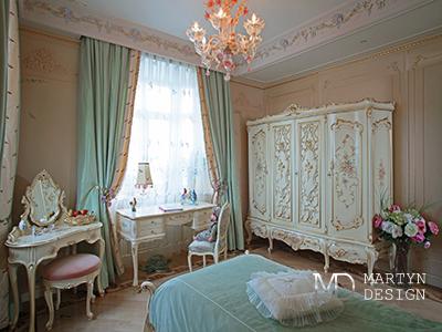 Бирюзовые акценты в интерьере спальни в стиле арт-деко