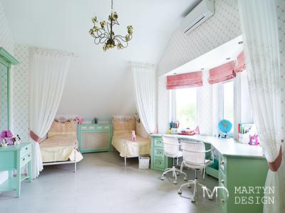 Дизайн детской комнаты для девочки в оттенках мяты и сливочного мороженого