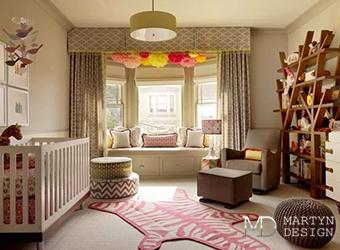 Интерьер детской комнаты в круглом эркере