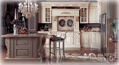 Дизайн белой кухни с элементами стиля ампир