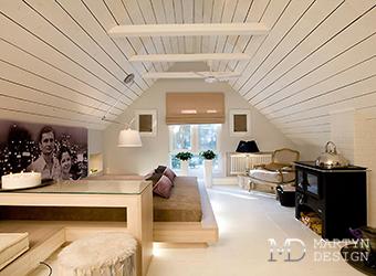 Дизайн спальни и гостиной в мансарде дома