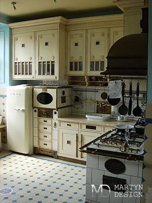 Дизайн ампирной кухни в сталинской высотке