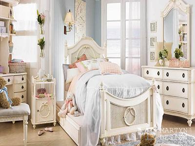 Винтажный интерьер детской комнаты в пастельных тонах