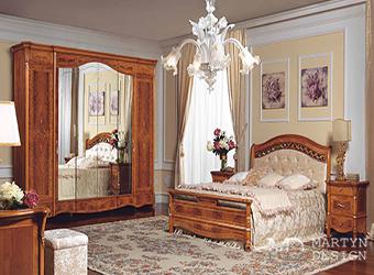Коричневая классическая спальня для благородной дамы