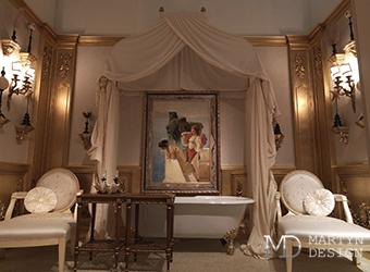 Интерьер классической ванной с элементами стиля барокко