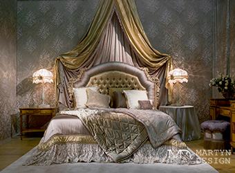 Интерьер классической французской спальни с балдахином