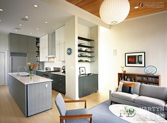 Интерьер кухни-гостиной с нишей