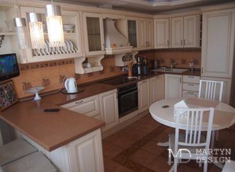 Интерьер кухни-столовой в квартире на Котельнической
