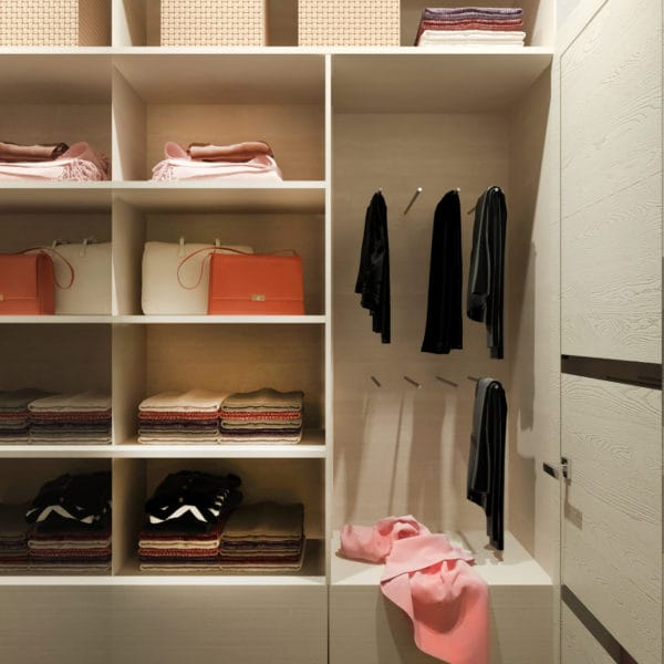 Дизайн-проект гардероба квартиры-студии в современном стиле (ЖК Басманный, 5)